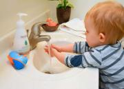 hand washing child