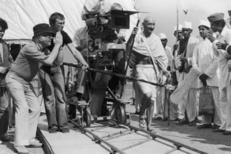 Richard Attenborough on the location of movie Gandhi